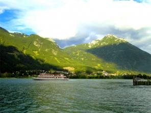 Achensee Tirol Österreich Gemeinde Eben Blick auf Maurach, Blick vom Westufer bei Pertisau © noten-apitz.de; Bildquelle: Musikverlag Apitz