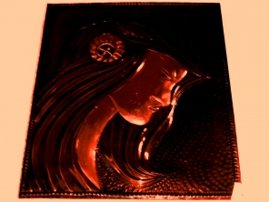Bild: Model als Wandbild Bildlegende: Bronzebild Elfe ©noten-apitz.de Bildquelle: Blumenstübchen am Park, Köthen