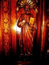 Heiligenfigur Petrus mit hl. Schrift (heiliger Schrift – Bibel) und Schlüssel (Jakobsweg, Spanien) ©noten-apitz.de; Bildquelle: Musikverlag Apitz